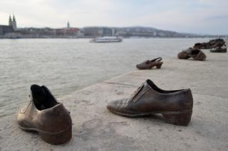 "Budapester Holocaust-Mahnmal ""Schuhe am Donauufer"" (Foto: Dieter Diskovic)"
