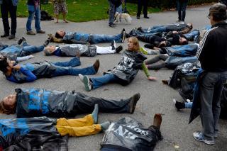 Flashmob im Stadtpark. Foto: Dieter Diskovic