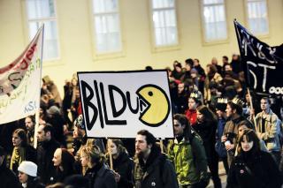 Von Österreichs Universitäten bleibt nur noch ein Skelett. So sahen es Demonstrierende im Dezember 2013  Foto: Martin Juen