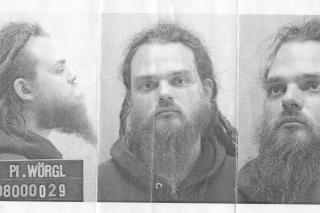 Aufnahmen nach der Verhaftung 2008. Foto via: Chris Moser