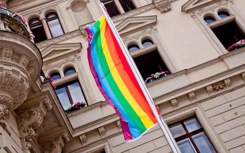 Knapp die Hälfte der Grazer Bezirke hissten heuer eine Regenbogenfahne. Foto: podesser.net